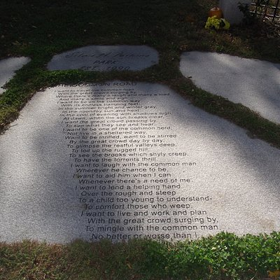 "ME - KENNEBUNKPORT - SILAS PERKINS PARK - STONE SLAB WITH ""THE COMMON ROAD"" POEM"