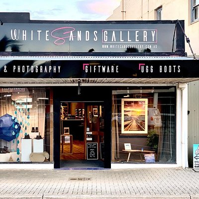 White Sands Gallery, Gifts & Uggs store front in Andrew Street Esperance WA