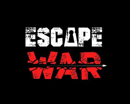 Escape War rappresenta il mix perfetto tra guerra simulata e giochi di logica. Imbraccia il tuo fucile d 'assalto per difenderti dai nemici e utilizza il tuo intuito per risolvere gli enigmi che ti permetteranno di procedere nella tua missione!