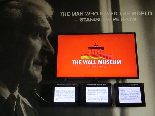 Der Kalte Krieg. Staniskaw Petrow - the man who saved the world.