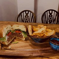 Steak Burger with homemade chips