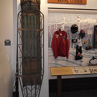 NH – NORTH CONWAY- N.E. SKI MUSEUM – RESCUE SLED