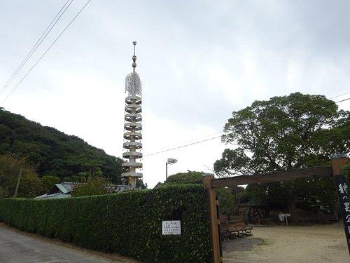 高さ15mの相輪の宝塔