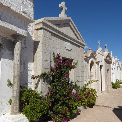 Grabhäuser auf dem Friedhof