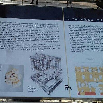 """I resti del grande Tempio in età Romana  visibile ai piedi del Palazzo """"Casa Marro """"..."""