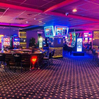 Sala de jocuri Las Vegas Games – Brasov, Somesu – gambling, sloturi, pacanele, pariuri sportive, ruleta, jackpot-uri, tombole, premii cash