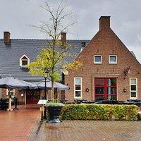 Gasterij De Oatmossche is gunstig gelegen naast het open lucht museum van Oormarsum