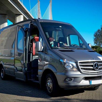 minibus 19 seats