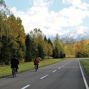 秋の紅葉サイクリングツアー