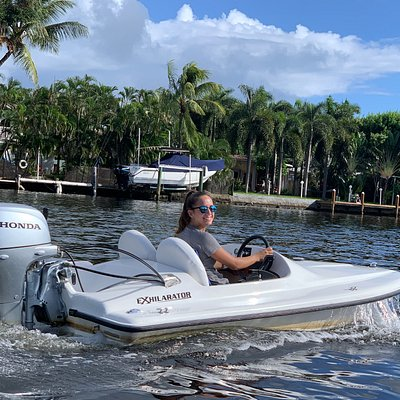 Mini-Powerboat Rentals