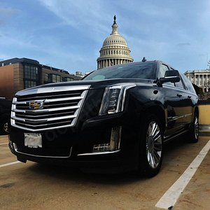 Washington DC Private Car And Limo Service. We offer safe, reliable point to point, airport transfer, hourly transportation in Washington DC