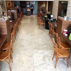 Foto do interior da loja física em Natal, RN.