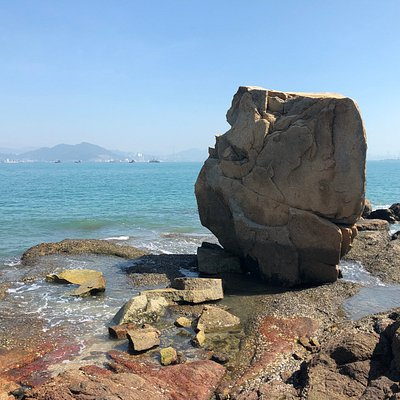 Old Fisherman's Rock - beautiful geology