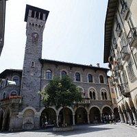 Info Point Bellinzonese - Palazzo Civico - Bellinzone (Ticino)