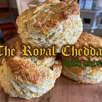 Cheesy, chivy version of our traditional British scone. Perfect for breakfast, afternoon tea, or any happy hour.