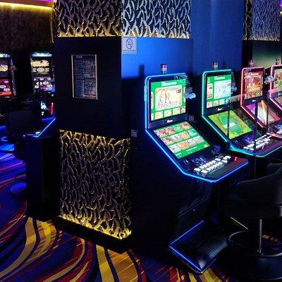 Jocuri de noroc Las Vegas Games – Braşov, Judeţean – gambling, casino, sloturi, păcănele, jocuri 777, ruletă, jackpot-uri, pariuri sportive, cafenea, bar, băuturi din partea casei, tombole, premii cash, distracţie şi multe surprize.