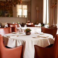 Restaurant Coworth Park interior and table set up