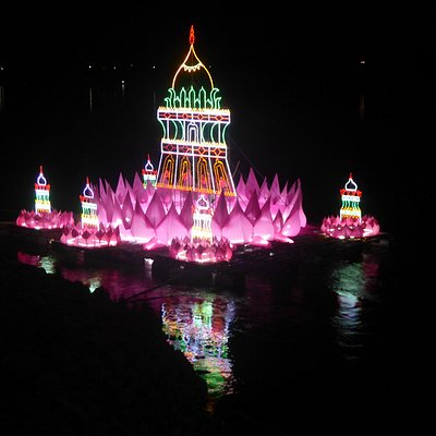 Loy Krathong am Mekong beim Wat Mi Chai Tha (1)