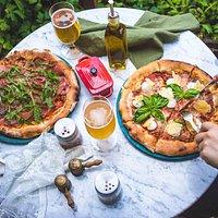Pizza Prosciutto y 4 quesos