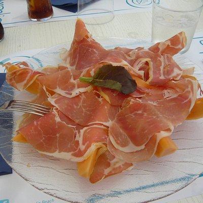 Heerlijke prosciuto al melone.