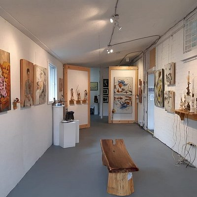 The Annex Gallery.    A new featured artist every month!