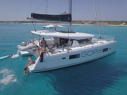Catamaran rent  Ibiza & Formentera Lagoon 42 GOA 6 Mitjorn