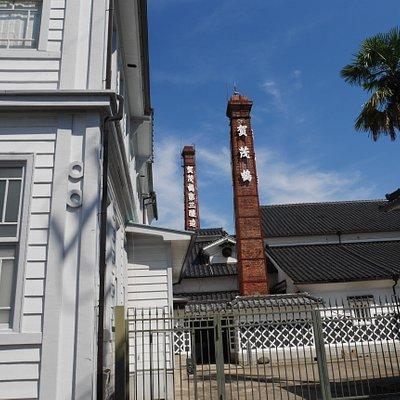 酒蔵通りの煙突の風景