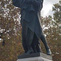 Estatua A Pau Claris