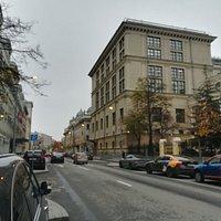 Улица Неглинная, от Театрального проезда до Трубной площади, Москва.