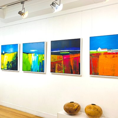 Gorgeous Anne Butler paintings were up on our ScotlandArt.com gallery walls!   Take a look on our website: https://scotlandart.com/Artist/Detail/602