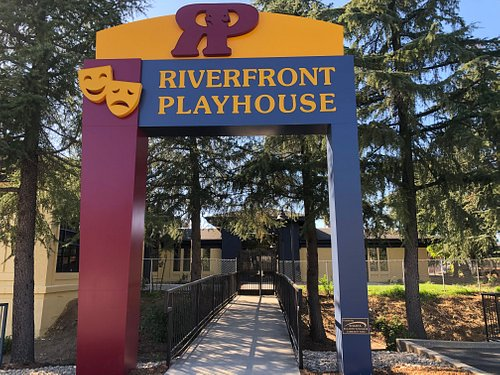 Entrance to Riverfront Playhouse Community Theatre
