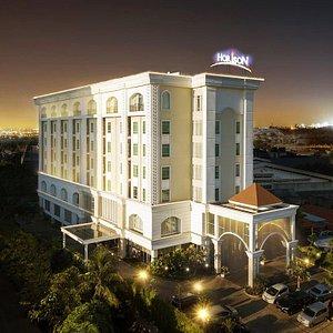 Hotel Horison Ciledug Jakarta at Night.