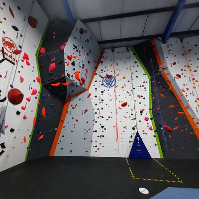 Fantastic lead wall with autobelays