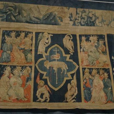 Un des tableaux des Sept Sceaux de la Tapisserie de l'Apocalypse