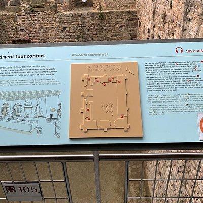 Un donjon millénaire, témoin d'une glorieuse histoire. C'est la partie la plus ancienne du château, ce donjon fut construit au 11ème siècle. Hubert de Beaumont, vicomte du Maine, fut le seul à résister avec succès à Guillaume le conquérant. 4 ans de siège, à partir de 1083 auront pour conclusion l'échec des assiégeants. Parcourir l'édifice est un joli voyage dans le temps, la vue du sommet est intéressante. L'accès au château est libre, seul l'accès au centre d'interprétation est payante.