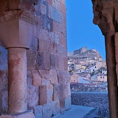 Castillo visto desde la Iglesia de San Miguel Arcángel