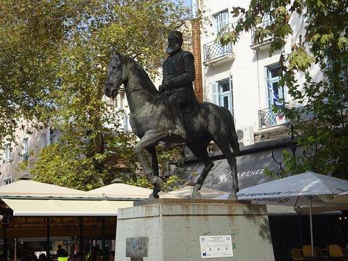 Statue of Aris Velouchiotis - Lamia, Greece