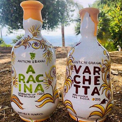 Ceramica artistica decorata a mano, pittura di carretti siciliani, restauro di oggetti in ceramica , legno e gesso, grafica pubblicitaria