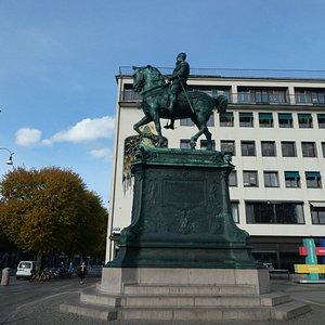 Statyn ''Kopparmärra'' på Kungsportsplatsen i Göteborg