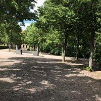 Hafis-Goethe-Denkmal pomník Beethovenplatz námestie