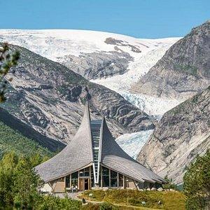 Breheimsenteret in front of Nigardsbreen Glacier. Foto: Veri Media