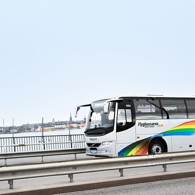 Comfy and affordable bus transfer to and from the biggest airports in Sweden.
