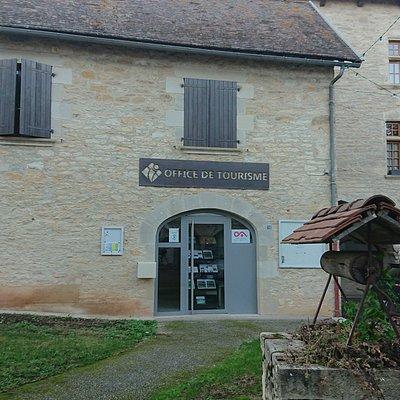 Office de Tourisme Ouest Aveyron - Bureau de Villeneuve - Place des Conques - 12260 Villeneuve Renseignements, informations sur le territoire, les hébergements, sites et activités