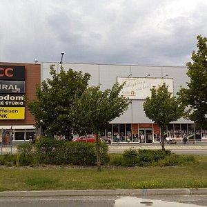 Nákupné centrum Galéria Bratislava Lamač