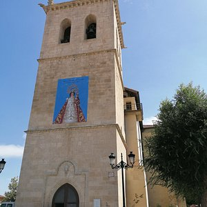 Torre iglesia San Juan Bautista. Con imagen de nuestra señora la Virgen del Espinar.