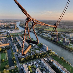 Do you want to fly in a balloon over the Netherlands? 4CB ballooning is the best balloon company to book your private flights. Call +31316845321 or info@4cb.nl