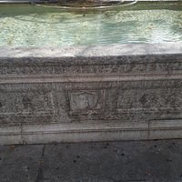 Fontána Samson und Delila-Brunnen