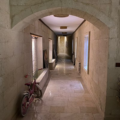 Entrance and inside photo's of the Heybe Hamam & Spa