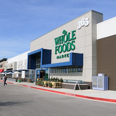 The Parke Shopping Center in Cedar Park has a lot of shops like Whole Foods, DSW, Nordstrom Rack, Michaels, Ulta and more