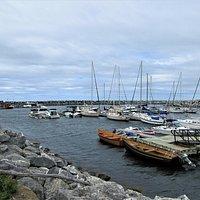 Havre Polyvalent, une marina, un parc et un grand quai accessible à pied ou avec nos véhicules automobiles